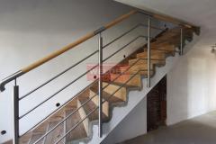 Balustrada stal nierdzewna z drewnianym pochwytem (8)