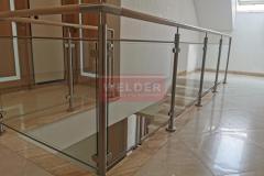 Balustrada-drewno-stal-nierdzewna-szklo-szklana-nierdzewna-3