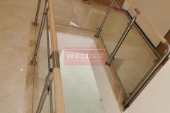 Balustrada-drewno-stal-nierdzewna-szklo-szklana-nierdzewna-8