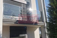 Stal-nierdzewna-Balustrada-szklana-Szklo-balkon-4